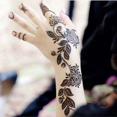 Simple Mehndi Designs for every Occasion - SetMyWed - Mehndi - Henna Designs Hand Henna Hand Designs, Mehndi Designs Finger, Modern Henna Designs, Indian Henna Designs, Mehandhi Designs, Floral Henna Designs, Henna Tattoo Designs Simple, Mehndi Designs For Beginners, Mehndi Designs For Fingers