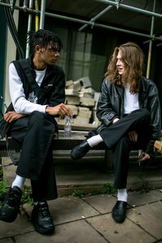 They Are Wearing: London Fashion Week Men's Spring 2018 WWD went off the runways and onto the streets and sidewalks for the best street style looks from London Fashion Week Men's Spring Style Hipster, Style Casual, Swag Style, Grunge Style, Men's Style, Classy Style, Casual Wear, Men Casual, Street Style Outfits