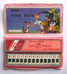 Mini Piano I played with these! Still can't play a piano though. 90s Childhood, My Childhood Memories, Sweet Memories, Childhood Quotes, 1980s Toys, Retro Toys, Vintage Toys 80s, Vintage Candy, Ideas Conmemorativas