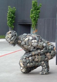 Pebbles has many uses. Apatr from putting it on ground as path or filler it can be used as sclupture and statues as well in 20 Pebbles has many uses. Apatr from putting it on ground as path or filler it can be used as sclupture and statues as well Instalation Art, Art Pierre, Gabion Wall, Scrap Metal Art, Landscape Drawings, Landscape Design, Welding Art, Outdoor Art, Land Art
