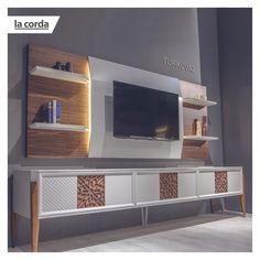 Turkuvaz TV ünitesi, özenle işlenen desenleri ile dikkat çekecek.