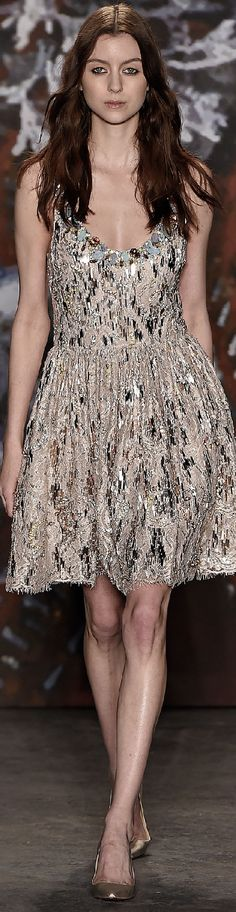 Fall 2015 Ready-to-Wear Jenny Packham