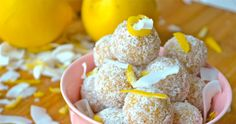 Raw food-bollar med citron och kokos | ELLE Raw Food Recipes, Lchf, Muffin, Low Carb, Cookies, Breakfast, Sweet, Inspiration, Lemon