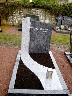 References of our tombs, single graves, double graves, … – Miracles from Nature Landscaping With Rocks, Outdoor Landscaping, Suculentas Interior, Tombstone Designs, Cemetery Decorations, Funeral Flower Arrangements, Cemetery Headstones, Backyard Garden Design, Cemetery Art