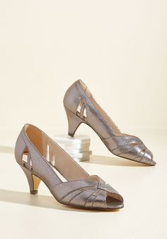 From Party to Finish Heel in Pewter. A party outfit with total pizzazz? #silver #prom #wedding #bridesmaid #modcloth
