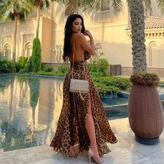 Long Dress With Slit, Slit Dress, Facebook Style, Ysl Bag, Hijab Dress, Poses, Instagram, Sexy, Skirts