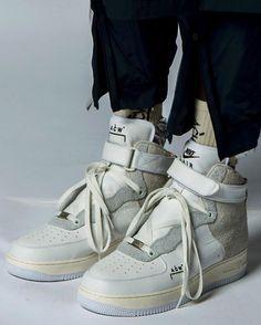 A(z) 157 legjobb kép a(z) Sneakerz táblán  908296b2ca