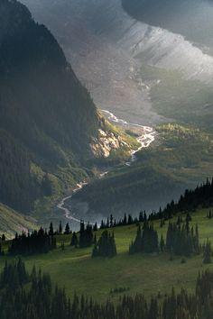 The last light of day illuminates the White River on Mount Rainier [OC][1333x2000]