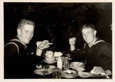 Sailors enjoying a meal Vintage Sailor, Vintage Men, Navy Man, Alternate History, Men In Uniform, Great Life, Military Men, Best Friends Forever, Vintage Photography