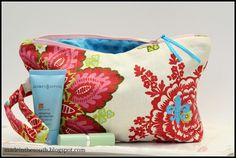 Funky Flowers, Lg. zipper make up bag