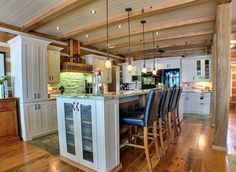 Muskoka Cottage on Bass Lake Contemporary Decor, Contemporary Kitchen, Muskoka Cottage, Decor Design, Cottage Living, Rustic Contemporary, Kitchen, Home Decor, Cottage