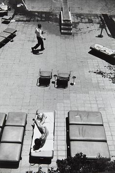 Artwork by Garry Winogrand, Beverly Hilton, Los Angeles, CA, Made of Gelatin silver print Garry Winogrand, Robert Frank, Leica, San Francisco Museums, New York Photographers, Photo D Art, Beverly Hilton, Gelatin Silver Print, Contemporary Photography