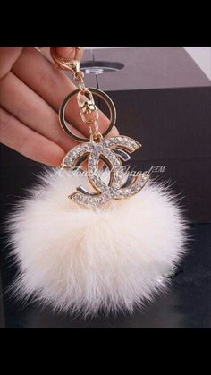 Chanel Blush Pink Pom Keychain With Rhinestones! I Absolutely Adore It! Chanel Outfit, Car Accessories, Fashion Accessories, Chanel Fashion Show, Accesorios Casual, Cute Cars, Coco Chanel, Chanel Bags, Chanel Handbags