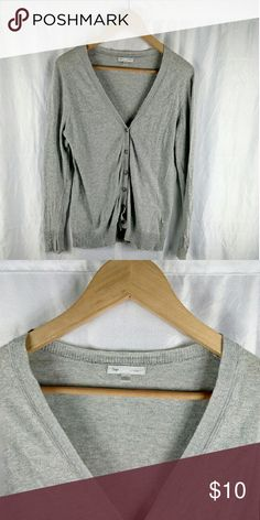Size Large Gap Woman's Sweater It  a V-neck button up in good condition with some wear.   SKU 09 Gap Sweaters V-Necks