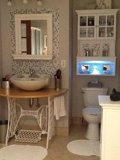 Μια παλιά ραπτομηχανή, που κατέληξε να γίνει νιπτήρας στο μπάνιο Καταπληκτική έμπνευση!