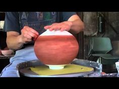 149. Glazing a Crackle Texture Vase / Bottle with Hsin-Chuen Lin