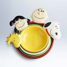 I think its Snoopy and gang measuring cups Snoopy Love, Snoopy And Woodstock, Snoopy Pictures, Charlie Brown And Snoopy, Room Essentials, Peanuts Snoopy, Kitchen Items, Kitchen Stuff, Measuring Cups