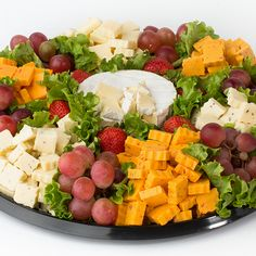 Straub's Informal Gathering Cheese Trays are beautifully garnished and perfect… Cheese Fruit Platters, Cheese And Cracker Tray, Meat And Cheese Tray, Food Platters, Cheese Ball, Fruit Trays, Party Trays, Party Platters, Appetizers For Party