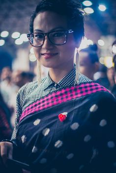 In love with Péros polka dots   saree and shirt blouse. Indian fashion. Glasses and statement earrings.
