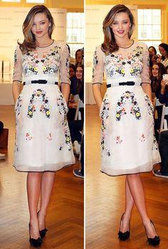 Miranda Kerr looks stunning in floral dress as she reveals her beauty and diet secrets Miranda Kerr Dress, Miranda Kerr Style, Beautiful Summer Dresses, Beautiful Hair Color, Beautiful Ladies, Fashion 101, Looking Stunning, Beauty Trends, Dream Dress
