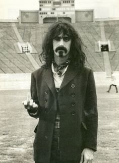 Frank Zappa Is he flipping you off? Or practicing guitar chords? (He's flipping you off. Frank Zappa, Frank Vincent, Progressive Rock, Flipping, My Music, Music Radio, Rock N Roll, Gq, Singer