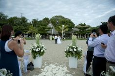Wedding ceremony in Bali on the beach, close by to a range of accommodation and great shopping...what a combination for a wedding and holiday