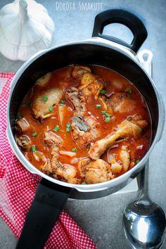 Kurczak w sosie pomidorowo – kokosowym #Chicken in #tomato and #coconut #sauce Coconut Sauce, Curry, Chicken, Ethnic Recipes, Food, Curries, Essen, Meals, Yemek