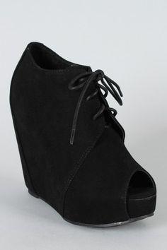 cute black bootie!!
