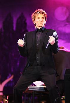 barry manilow photo gallery | barry manilow barry manilow gave a fabulous performance of classic ...