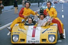 Ecurie Bonnier's engineers DIDIER and PIERRE from Heini Mader Racing Components + Jean Pierre Beltoise and Gerard Larrousse, Lola T280, 1972.  Photo: Jorge Pinhol - Picasa webbalbum.