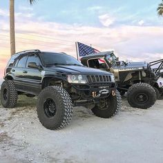 Save by Hermie Lifted Jeep Cherokee, Jeep Grand Cherokee, Jeep Wj, Jeep Cars, Tacoma Truck, Future Trucks, Custom Jeep, Ford 4x4, Jeep Accessories