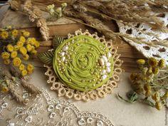 """Купить """"Оливка"""" брошь цветок - броши, брошь натуральные камни, брошь с камнями, брошь в подарок"""