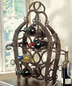 Buy your cabin kitchen decor, rustic paper towel holders at Black Forest Decor, your source for cabin kitchen accessories. Horseshoe Projects, Horseshoe Crafts, Horseshoe Art, Metal Projects, Metal Crafts, Horseshoe Ideas, Western Crafts, Country Crafts, Country Decor