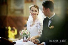 Joanna i Michał tuż po przysiędze.  #katedralublin #fotografslubny #fotograflublin