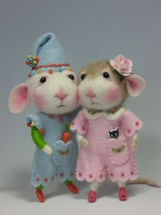 "Peanut Bunner & Jilly Sannich (2""-3"" mouse and bunny needle felting PDF file class) ..one of many of the sweetest critter classes."