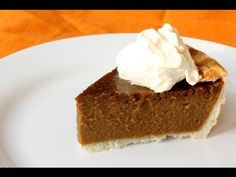 Super Easy Gluten Free Pumpkin Pie Recipe - Just in time for the holiday. Pass the whipping cream please!