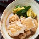 茄子嫌いさんにこそ食べて欲しい!この茄子、半端なく美味しい〜っ♡生姜焼き茄子《簡単★節約》 : 作り置き&スピードおかず de おうちバル 〜yuu's stylish bar〜 Thai Red Curry, Food And Drink, Meat, Chicken, Ethnic Recipes, Cubs