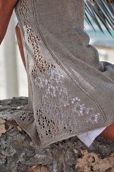 Linaria Knitting pattern by Natalie Pelykh — Sommerpulli stricken Arm Knitting, Knitting Stitches, Knitting Needles, Summer Knitting, Christmas Knitting Patterns, Knit Patterns, Poncho Pullover, Lang Yarns, Red Heart Yarn