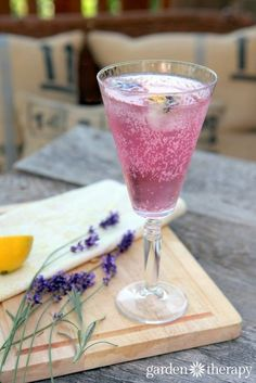 Lavender soda recipe - recipes for beautiful homemade lavender simple syrup and edible flower ice cubes.