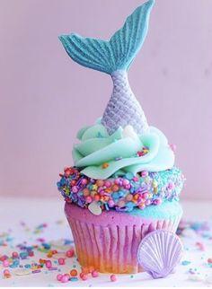 Mermaid cupcakes by The Cake Mamas