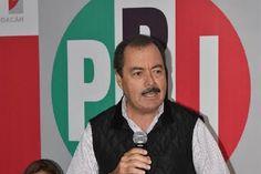 Para el dirigente estatal del PRI, con esa acción el presidente Enrique Peña Nieto está cumpliendo con sus compromisos de fortalecer a las instituciones, consolidar un buen gobierno y garantizar ...