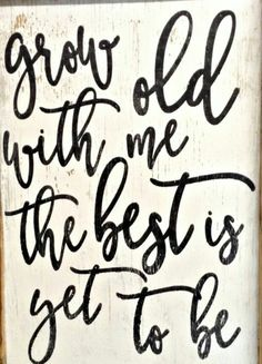 Grow Old with Me 1826 Framed Box Sign 2019 Fixer Upper inspired farmhouse sign. Grow old with me the best is yet to be. The post Grow Old with Me 1826 Framed Box Sign 2019 appeared first on Bedroom ideas. Home Decor Signs, Diy Home Decor, Decor Crafts, Tile Crafts, Wood Crafts, Farmhouse Signs, Farmhouse Decor, Farmhouse Style, Fixer Upper