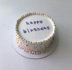 Pretty Birthday Cakes, Pretty Cakes, Cake Birthday, Birthday Cake Designs, Mini Cakes, Cupcake Cakes, Bebidas Do Starbucks, Simple Cake Designs, Korean Cake