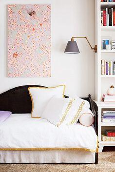 die besten 25 leselampe bett ideen auf pinterest leselampe f r das bett leselampe ikea und. Black Bedroom Furniture Sets. Home Design Ideas