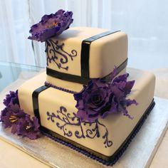 Weddind purple flowers cake Purple Flowers, Wedding Cakes, Weddings, Desserts, Food, Wedding Anniversary, Birthdays, Wedding Gown Cakes, Tailgate Desserts
