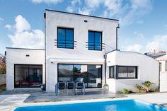 Découvrez les plans de cette maison spacieuse et contemporaine sur www.construiresamaison.com >>>
