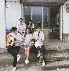 Korean Best Friends, Boy And Girl Best Friends, Cute Friends, Mode Ulzzang, Ulzzang Korea, Ulzzang Girl, Bff Pictures, Best Friend Pictures, Korean Couple Photoshoot