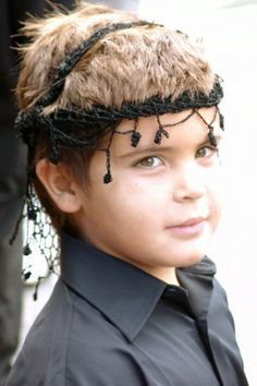 "Little Greek Cretan Proud Boy with cretan ""Sariki"" (Cretan Head Scarf) Beautiful Children, Beautiful People, Fight For Freedom, Greek Culture, Crete Greece, Travel Memories, Greek Islands, People Around The World, Greece Photography"