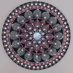 Mandala tamanho 35x35. Acrílica/PVA S/ MDF. (Vendida) #yantramandalas #mandalas #mandalaart #dotilismo #mandalaartesanal #artesmanuais #kosmos #energi #cosmicart #spiritualart #zenart #mandalapassion #mandaladesign #mandalaartist #mandalando #mandalacoloring #handmade #feitoamao #campinagrande #mandalalover #mandalascampinagrande #paraiba #brasil #artesanatoparaibano #artesanatocampinagrande #artesanatoparaiba #artesoes #artesanatonordeste #artesanatonordestino #artesanatobrasil