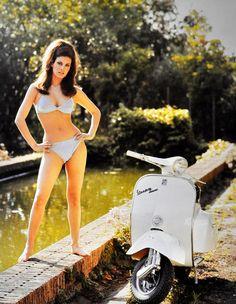 Vespa Super - Raquel Welch More